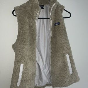 Patagonia vest- great condition!